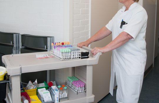 bloedafname in kliniek, prikronde
